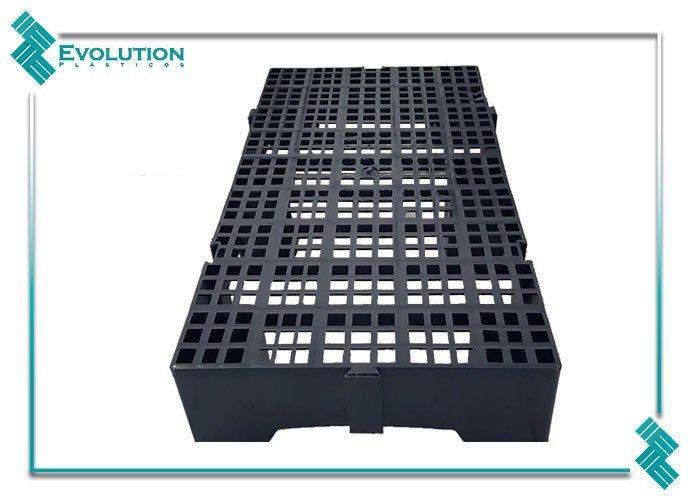 Estrado de plástico modulável